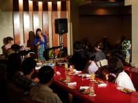 日野香織さんのキーボード、本村洋子さんのボーカル 楽しいトークも交えてノリノリのライブでした♪